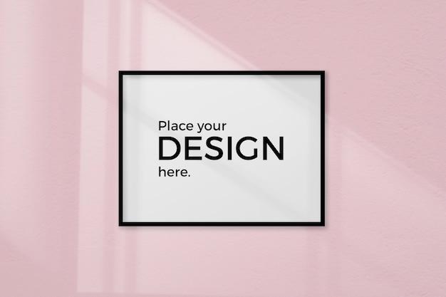 Пустая комната с рамкой макета на розовой стене Бесплатные Psd