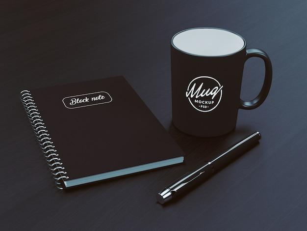 ノートブックモックアップ付きコーヒーマグ Premium Psd