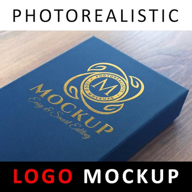ロゴモックアップ - 青いカードボックスに金箔のロゴ Premium Psd
