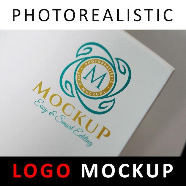 ロゴモックアップ - 白いロール紙に印刷されたロゴ Premium Psd