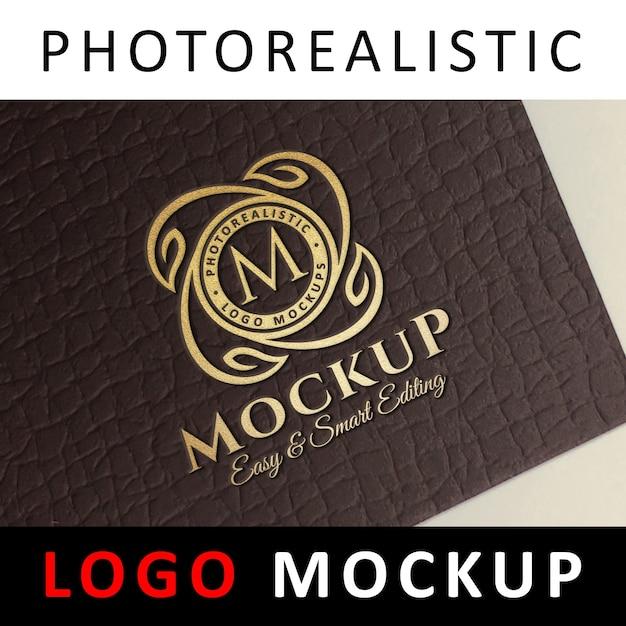 ロゴモックアップ - ダークブラウンカードにゴールドフォイルスタンピングロゴ Premium Psd