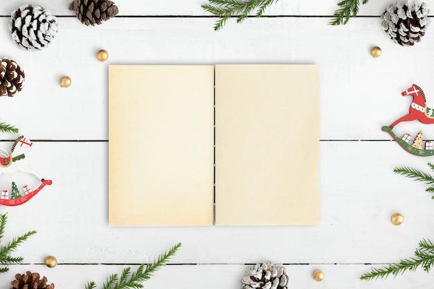 Рождественские иллюстрации в макет ноутбука Бесплатные Psd