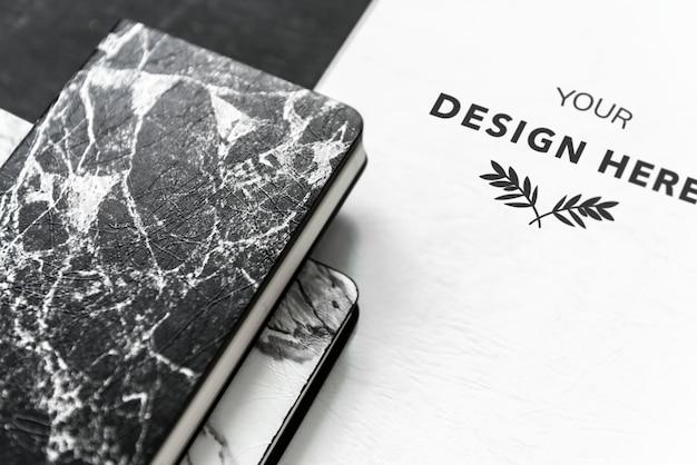 Черно-белый набор печатных материалов макетов Бесплатные Psd