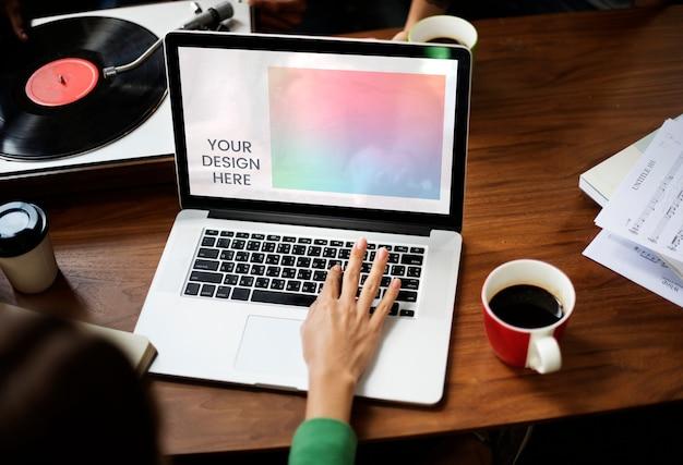 空白のノートパソコンの画面 Premium Psd