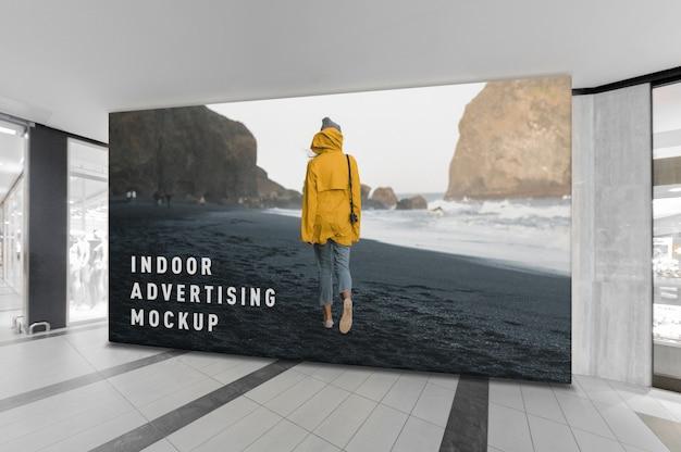 モールショッピングセンター内の屋内広告のモックアップ Premium Psd