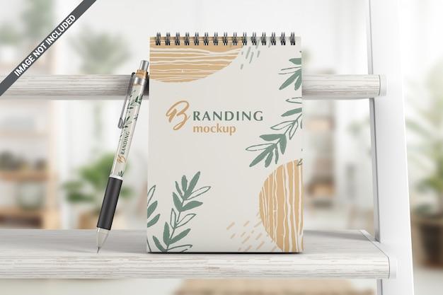 ペンブランディングモックアップ付きノートブック Premium Psd