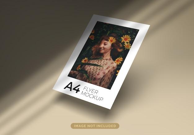 그림자로 떠 다니는 A4 형식 전단지 모형 프리미엄 PSD 파일