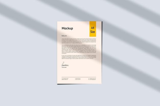 A4 용지 및 그림자 모형 디자인 렌더링 절연 프리미엄 PSD 파일