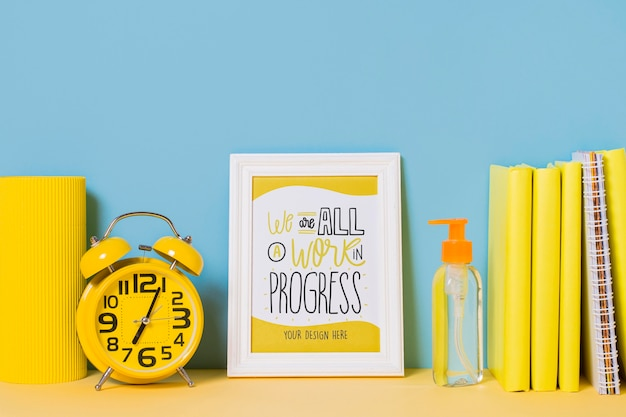 Alarm clock and frame with mock-up Free Psd
