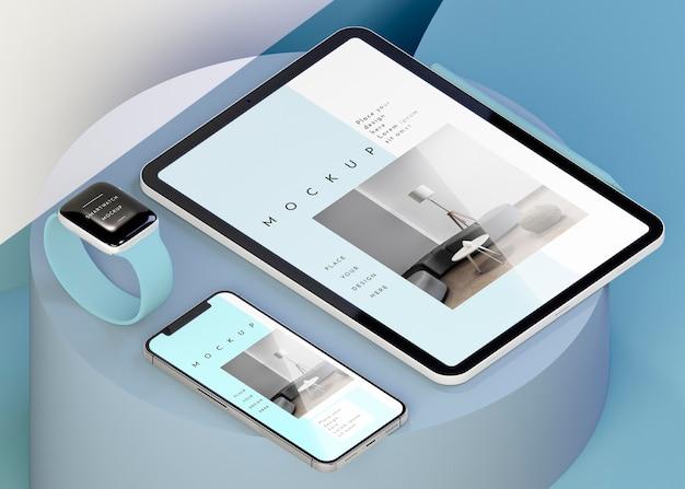 最新のデバイスのモックアップとのアレンジメント 無料 Psd