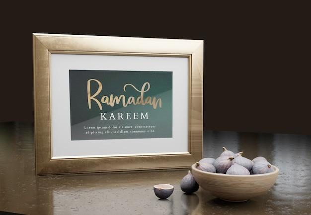 Arrangement with ramadan kareem frame and figs Free Psd
