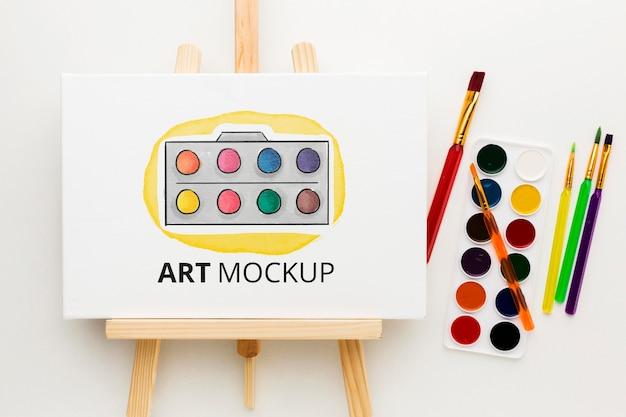 水彩画の上面図とアートのモックアップ 無料 Psd