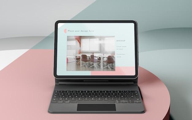 Assortimento di moderni tablet con tastiera allegata Psd Gratuite