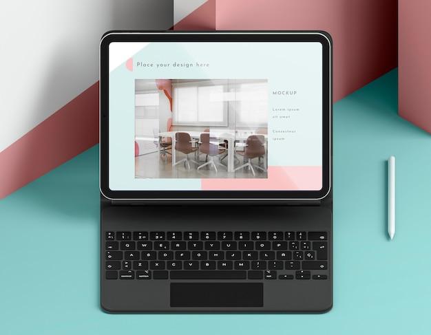キーボード付きのモダンなタブレットの品揃え 無料 Psd