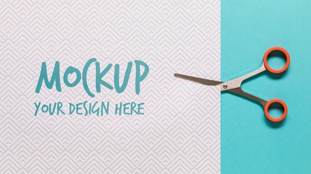 Ассортимент с макетом карты и ножницами Premium Psd