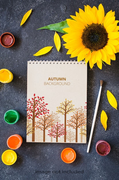 秋はグリーティングカードや通知のためにモックアップします。 Premium Psd