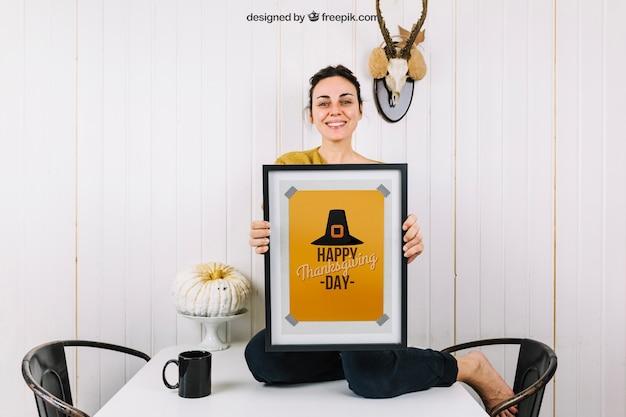 Осенний макет с изображением женщины Бесплатные Psd