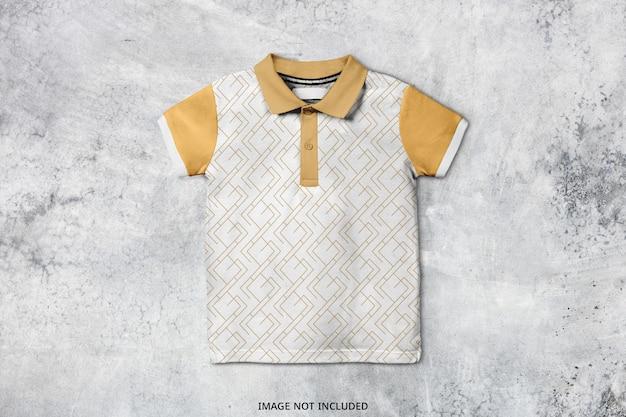 아기 폴로 T 셔츠 모형 디자인 절연 프리미엄 PSD 파일