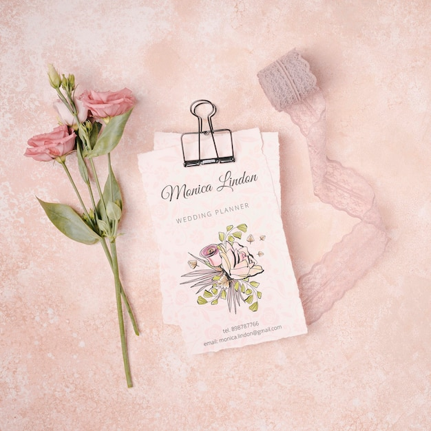 Beautiful flowers with wedding invitation Free Psd