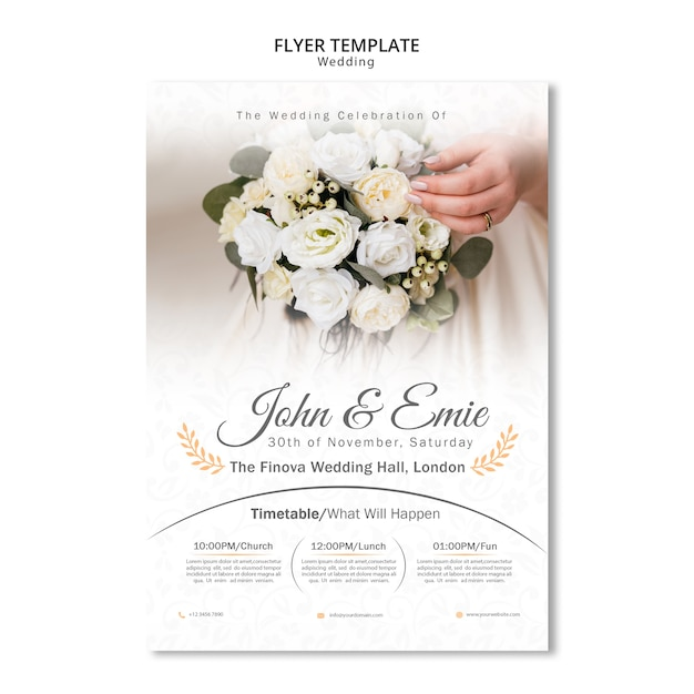 Beautiful wedding invitation with bouquet of flowers Free Psd