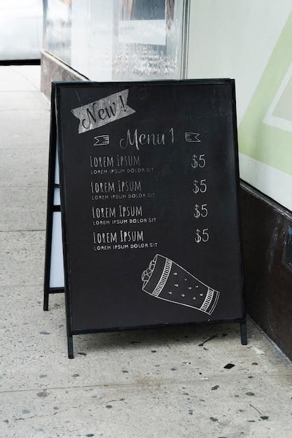 都市のモックアップの看板 無料 Psd