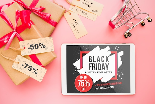 Black friday mockup with tablet Free Psd