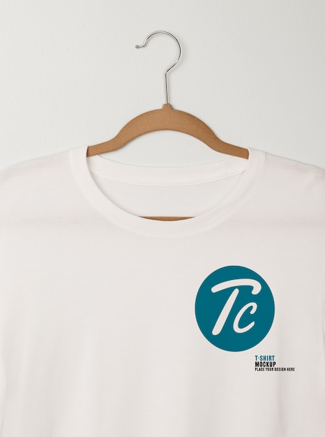 Blank white t-shirts mockup hanging Premium Psd