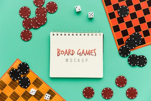 Mock-up del concetto di giochi da tavolo Psd Gratuite