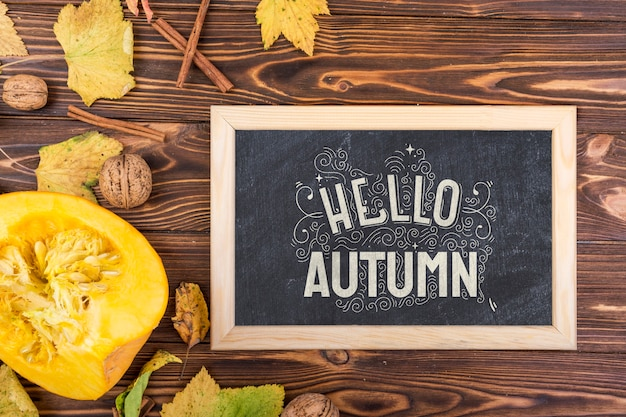 Board with chalk message for autumn season Free Psd