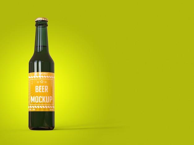Бутылка пива с этикеткой на желтом фоне макета Premium Psd