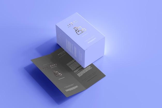 이중 접기 브로셔 목업이있는 상자 무료 PSD 파일