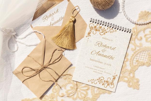 Brown paper envelopes top view Free Psd
