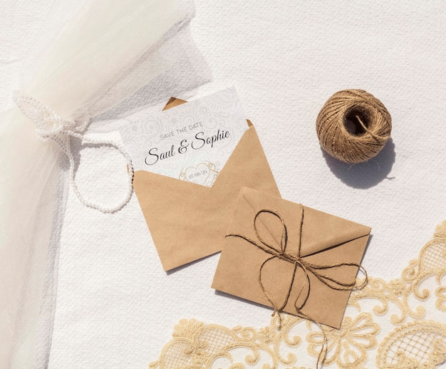 Brown paper envelopes with rope and letters Free Psd