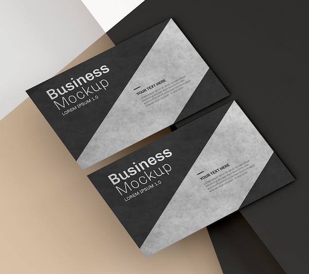 Макет визитки с черно-серебристым дизайном Premium Psd