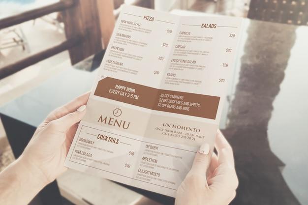 カフェメニューのモックアップ Premium Psd