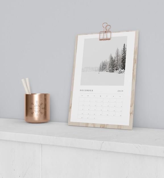 Календарь на деревянной доске макет Бесплатные Psd