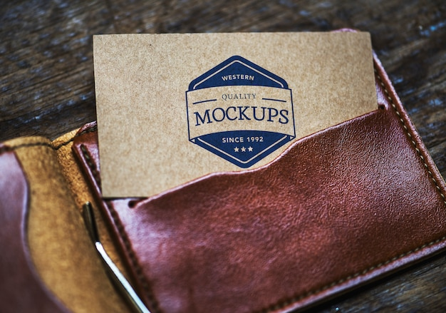 Calling card mockup in a wallet Free Psd