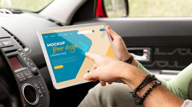 Mock-up di concetto di viaggio in auto Psd Gratuite
