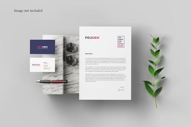 Mockup card visit và mẫu giấy giới thiệu PSD