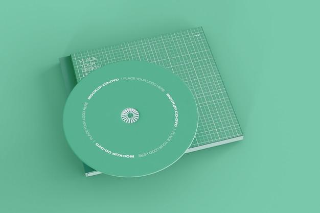 Mockup di cd e case Psd Gratuite
