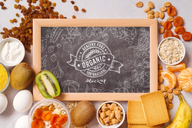 Chalkboard mock-up with healthy food Free Psd
