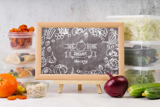 Chalkboard mock-up with organic food Free Psd