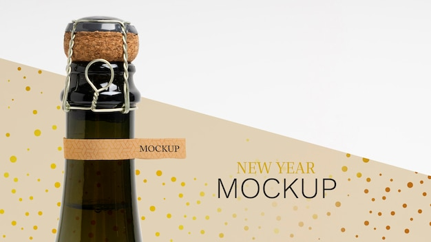 Champagne bottle mock-up and cork cap Free Psd