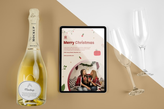 Champagne bottle with mock-up Free Psd