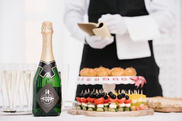 Шампанское рядом с едой Бесплатные Psd