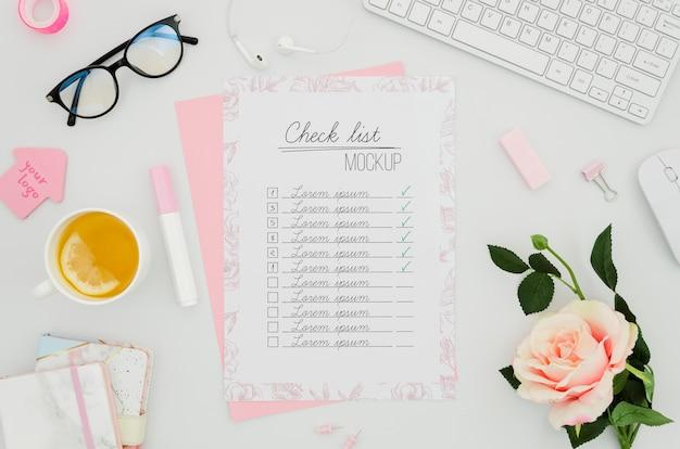 Контрольный список и ботанический макет роз Бесплатные Psd