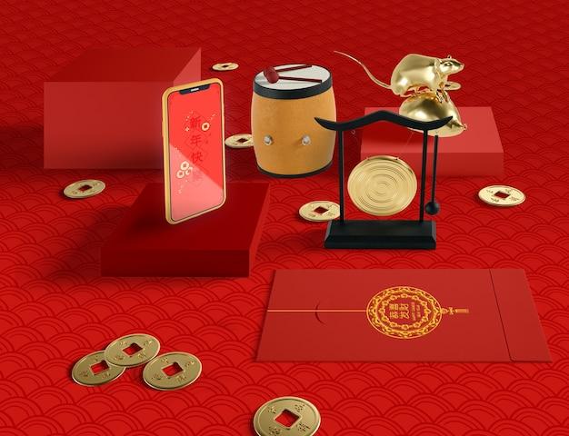 Китайская иллюстрация нового года с телефоном и золотой крысой Бесплатные Psd
