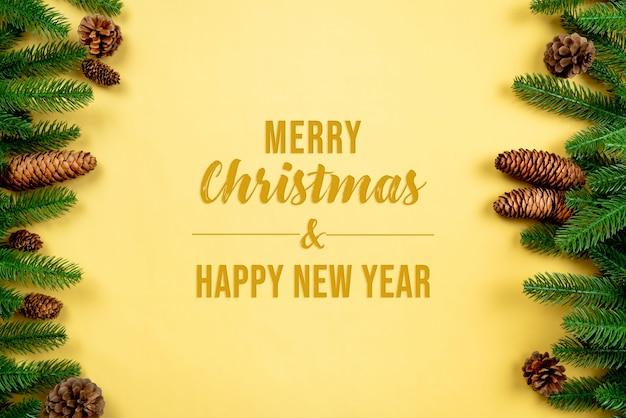 Новогодний фон, сосна с макетом рождественского украшения Premium Psd