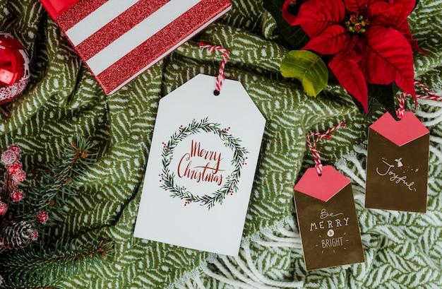Рождественский подарок с тегами поздравительных открыток Бесплатные Psd