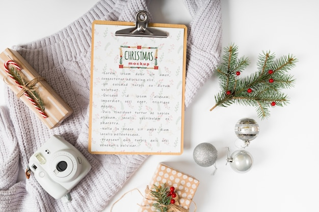 Christmas menu mockup with clipboard Free Psd